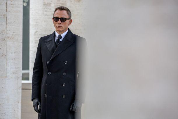 «Hola, soy Bond, James Bond. Pero también podría ser Dom Cobb. O Leonard Shelby. O Bruce Wayne». Gracias, Nolan.
