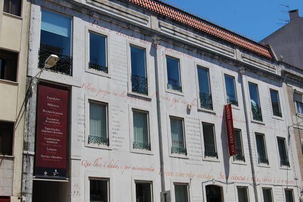 Fachada de la Casa Museo Fernando Pessoa.